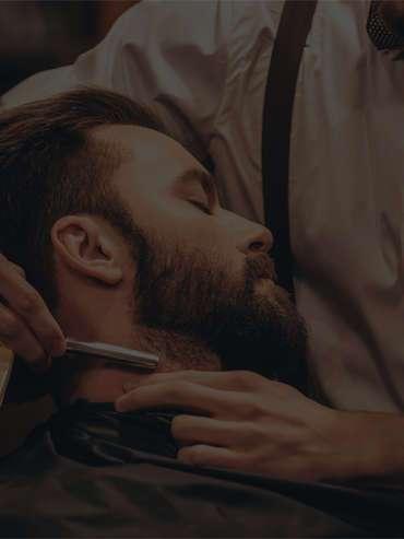 Forrótörölközős teljes borotválás